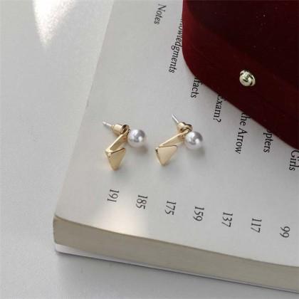 S925 小巧精致珍珠三角形前后式挂耳钉