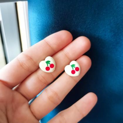 S925白色爱心樱桃小耳钉耳环